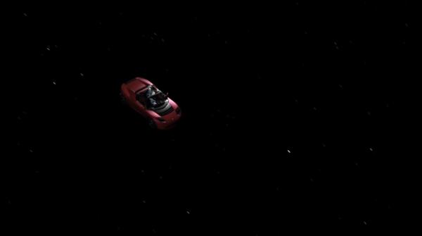 马斯克秀特斯拉跑车进太空图片:霸气的人类地球制造