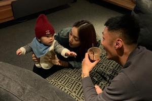 余文乐王棠云预演做父母 两人照顾小朋友超有爱