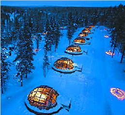 芬兰:躺在玻璃屋里看极光