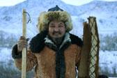63岁非遗传承人手工制作古老毛皮滑雪板