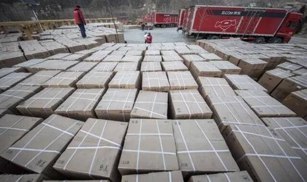 送农民500万年货 刘强东:带动亿万富翁一起行善