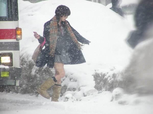 日本女生冬天光腿不冷吗?与其关心老寒腿不如Get日本女孩寒冬光腿也顺滑肌肤的小秘密!