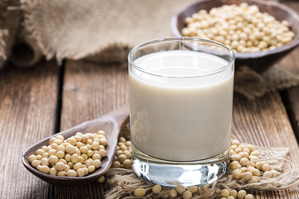哪种植物奶好?加拿大最新研究称豆奶最有营养