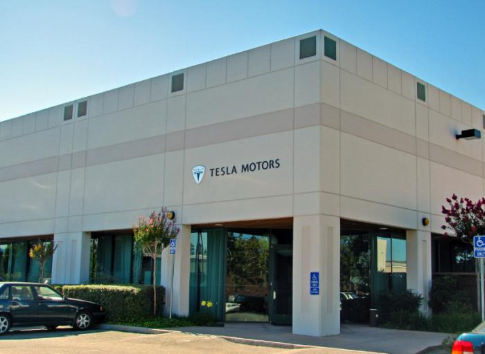 马斯克:特斯拉将从2018年底投资Model Y跨界车