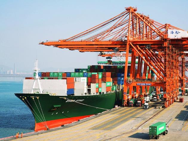 1月进出口增速双超预期 顺差收窄近六成下亟须培育外贸竞争新优势