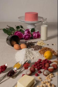 王菲御用造型师携手诺心 诠释真正巴黎式浪漫爱情口味蛋糕