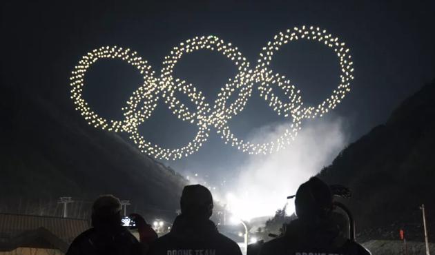 英特尔使用1218台无人机为冬季奥运打造灯光节目