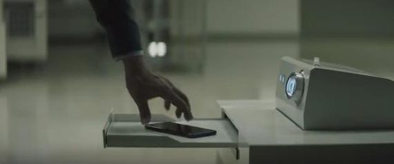 In Samsung's ad, the robots are desperate to please.jpg