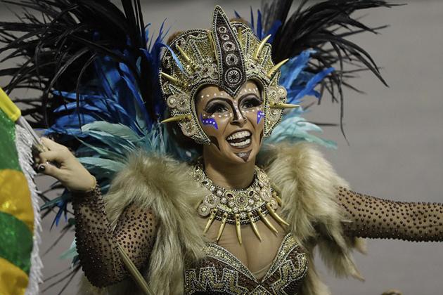 里约狂欢节盛大开幕 有望吸引150万名游客