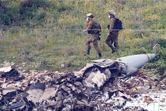 以色列空袭叙利亚遭回击 F-16坠毁飞行员逃生