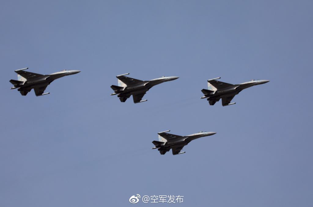 中国曝光的苏35有多强?俄专家:完全能比F35