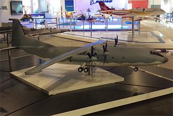 新加坡航展展出运9E运输机大型模型