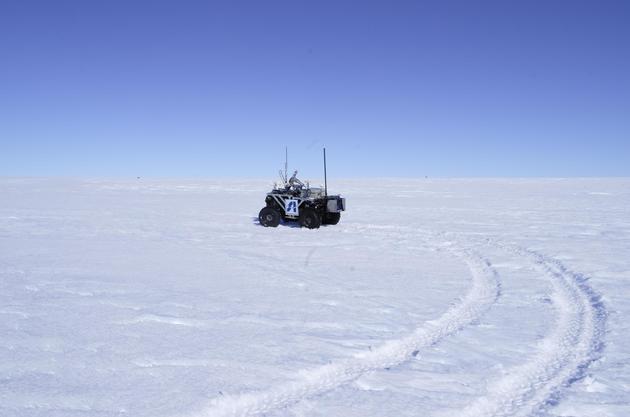 我国地面机器人首次投入南极科考冰盖探路应用