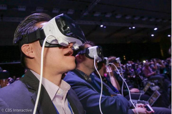 苹果携手LG投资OLED小屏幕制造商 或用于VR/AR设备