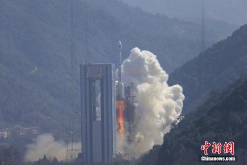 """中国""""远望6号""""单船多目标精准测控北斗双星"""
