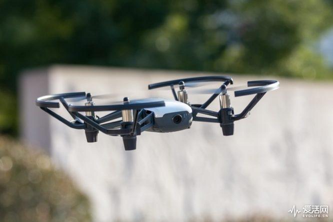 Intel大疆联手带你飞 小巧精悍的Tello能否让人种草无人机?
