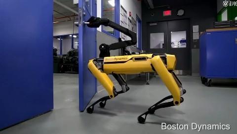 这就是波士顿最新研发的机器狗:开门看呆了