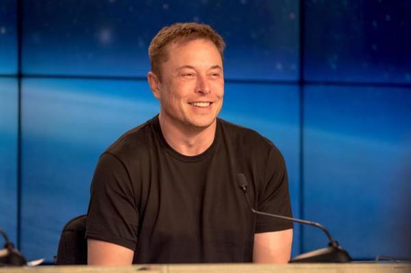 马斯克:友商火箭要能在2023年前上天 我把帽子吃了