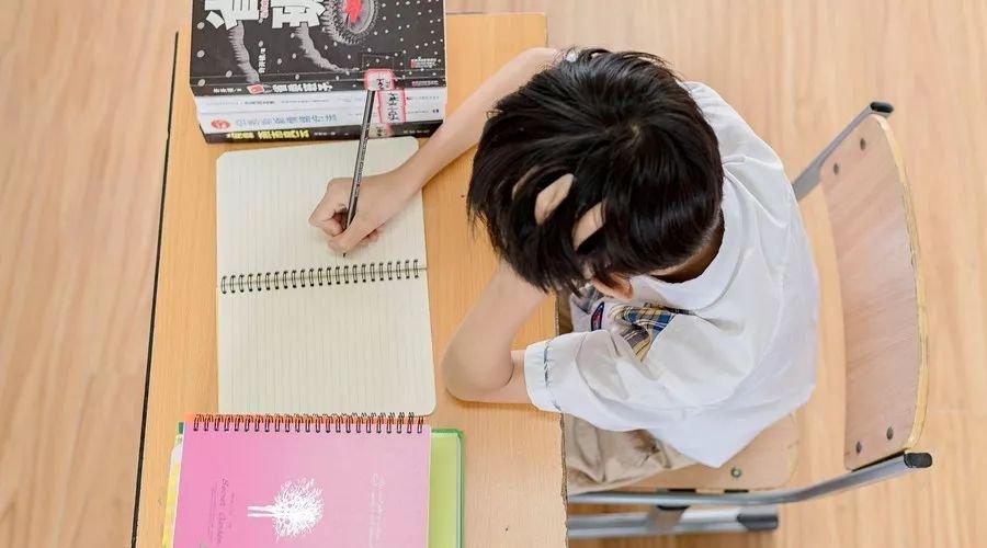 """代课、代考、代写作业明码标价:高校""""代产业""""流行谁之过"""