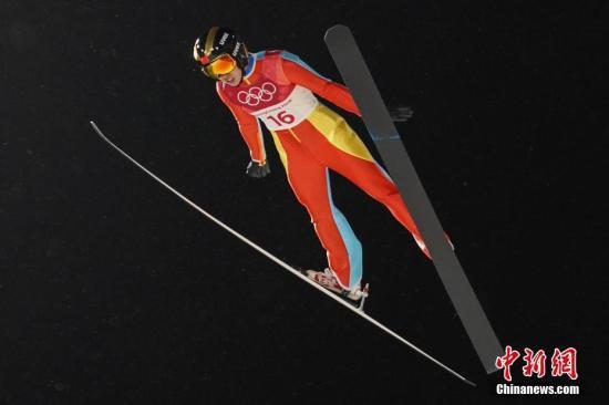 """""""飞跃""""平昌 常馨月创造中国跳台滑雪历史"""