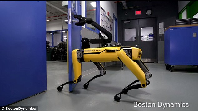 波士顿动力公司研发的机器狗可自己开门