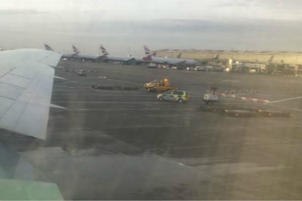 伦敦希思罗机场发生严重车祸 致1名男子死亡