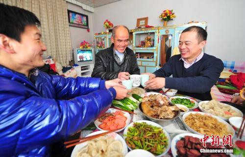 """中国人最隆重的""""饭局"""":年夜饭怎么吃?"""