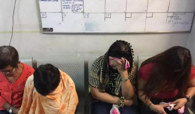 """中国人在菲律宾遭""""迷魂党""""下药 被迫去提款机取钱"""
