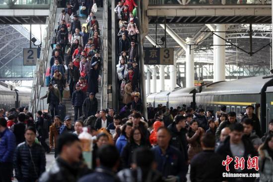 预计大年初二客流大幅回升 发送旅客将达689万人次