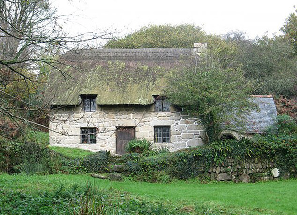 英夫妇花费巨资改造租住小屋面临无续住权尴尬