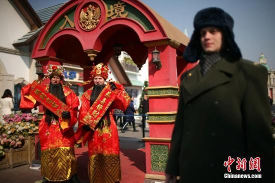 春节前三天旅游接待2.14亿人次 旅游收入2582亿