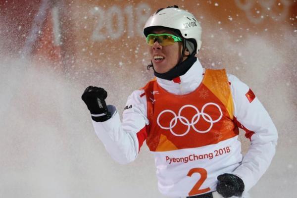贾宗洋冬奥会空中技巧摘银 距离冠军仅差0.46分