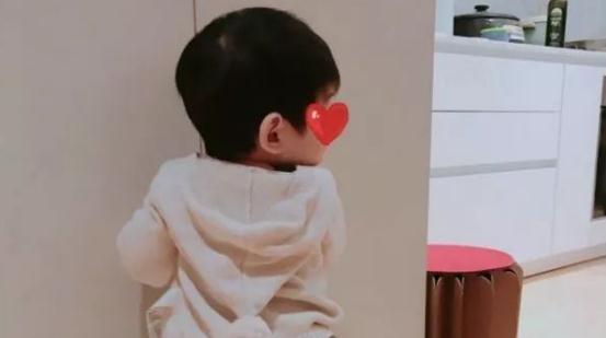 陈妍希发红包晒娃上热搜幸福让人嫉妒