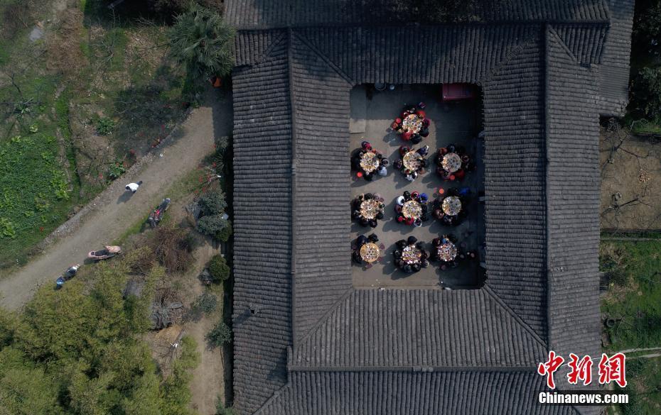 中国农家小院年味浓浓