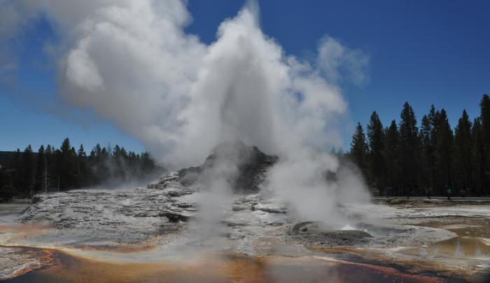 黄石超级火山濒临爆发?10天地震200多次