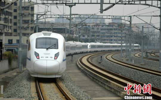 春节假期收尾在即 川黔渝三地迎铁路春运客流最高峰