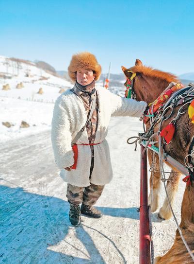 吉林雪乡旅游:有老板3个月赚9万多 人和马都累坏了