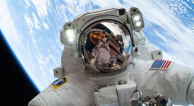 NASA设计内置如厕装置太空服