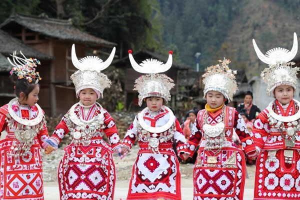 贵州榕江民俗闹新春 苗寨年味浓