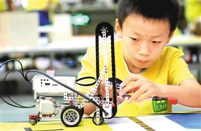 中国抢下AI先手棋:位列全球第一梯队