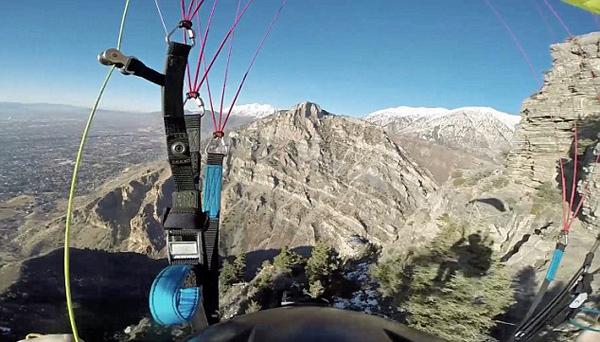 美冒险者2590米山顶速降飞行 多次面临险境