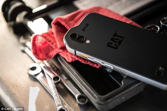 全球首台空气污染检测手机面世 :售价999美元