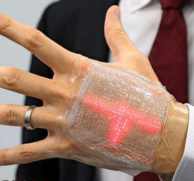 用手看心电图?日本开发出可伸缩薄膜显示屏