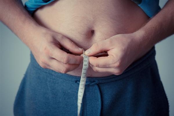 毅力非凡:世界最胖的人是他 一年狂减500斤
