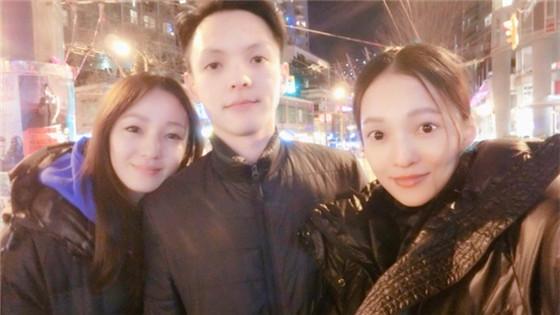 张韶涵姐弟三人合影颜值高
