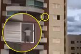 """巴西熊孩子9层楼窗台""""飞檐走壁"""""""
