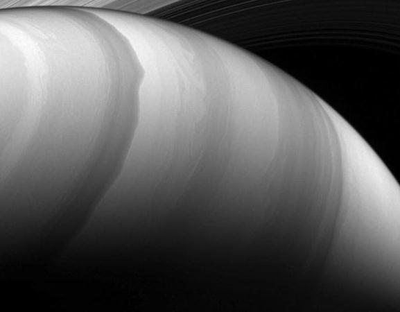NASA科学家公布卡西尼号2017年拍摄的最佳图片集