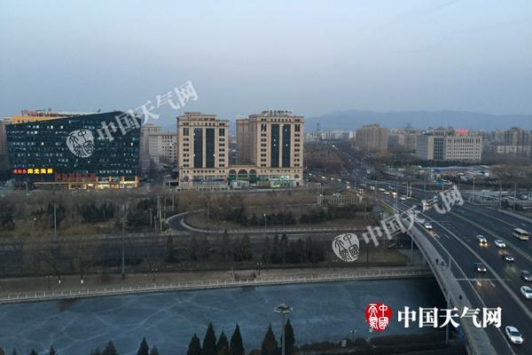 北京已延续124天无无效降水 明天降温9℃今天回暖