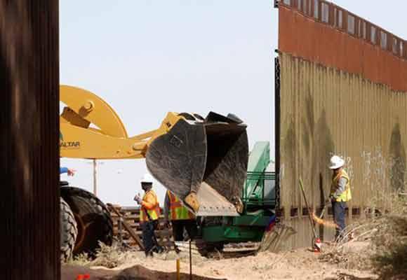美国墨西哥边境墙开建 首期要花1800万美元