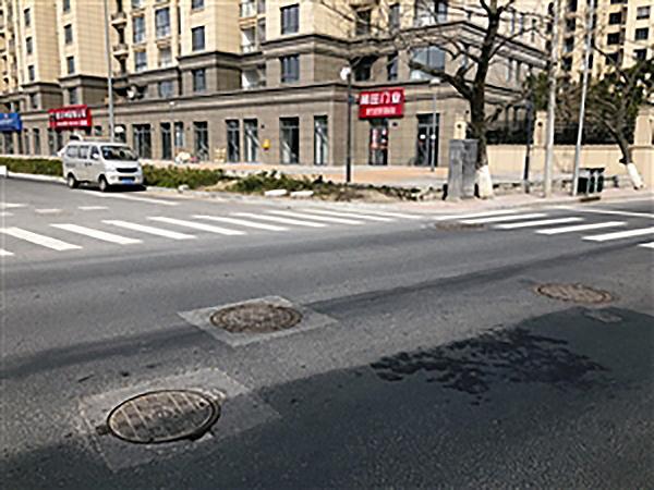 宁波1.7公里路段有两百余窨井盖,相关部门:功能各不同